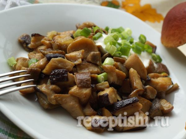 Белые грибы жареные с луком | Кулинарные рецепты с фото