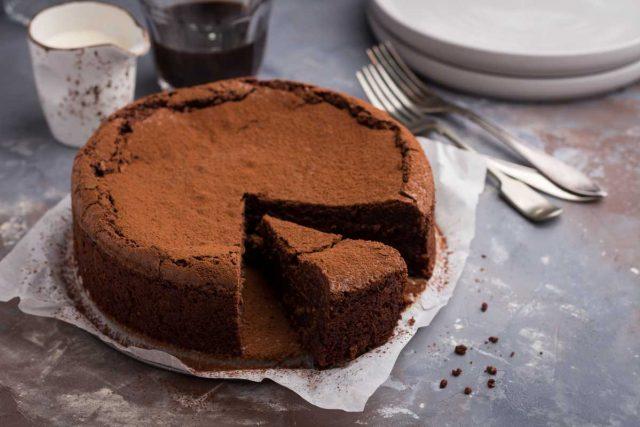 KREMASTA ČOKOLADNA TORTA BEZ BRAŠNA