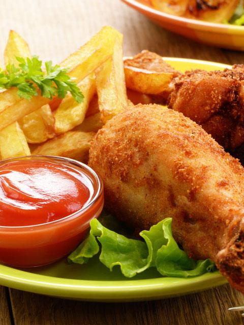 Курица в панировке с картофелем