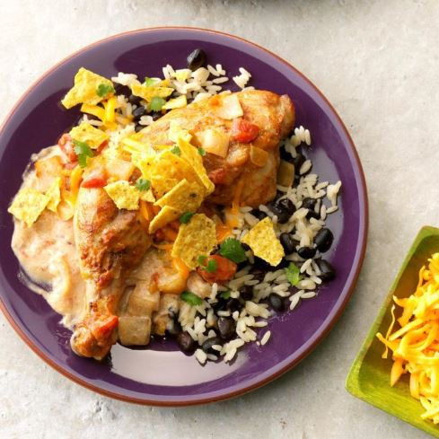 Pollo con fríjoles y arroz