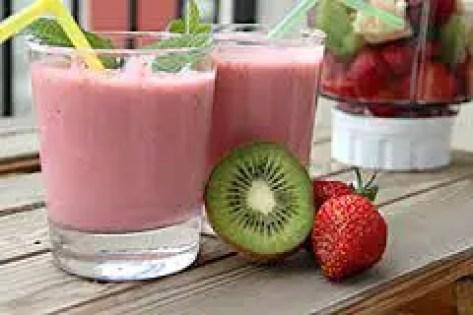 smoothie fresa y kiwi 1 - Smoothie de fresas, kiwi y soja