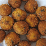 Albóndigas de bacalao en salsa Pesto