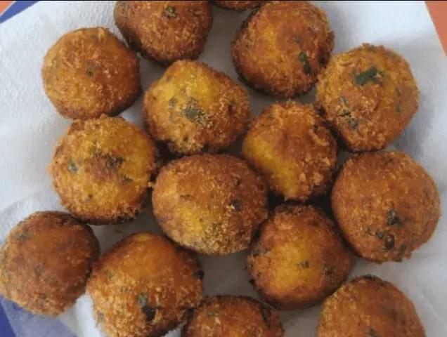 albóndigas de bacalao - Albóndigas de bacalao en salsa Pesto
