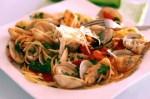 espaguettis con almejas y gambas - Puré de patatas con Thermomix