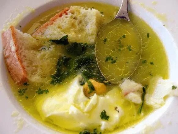 sopa con bacalao de Portugal - Sopa de pescado con bacalao al estilo de Portugal