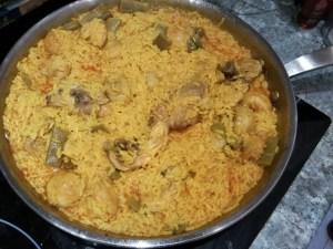paella de arroz con pollo - Arroz