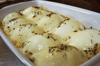 aperitivo caliente de huevo duro - Entradas calientes de huevo duro