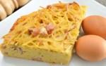 tortilla de pasta - 3 recetas de comida para llevar a la playa