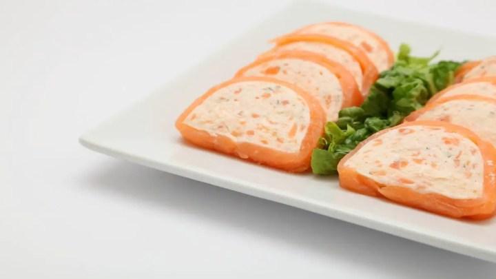 pastel de salmon ahumado 1 1024x576 - Pastel frío de salmón top 10