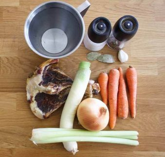 ingredientse para hacer caldo de verduras