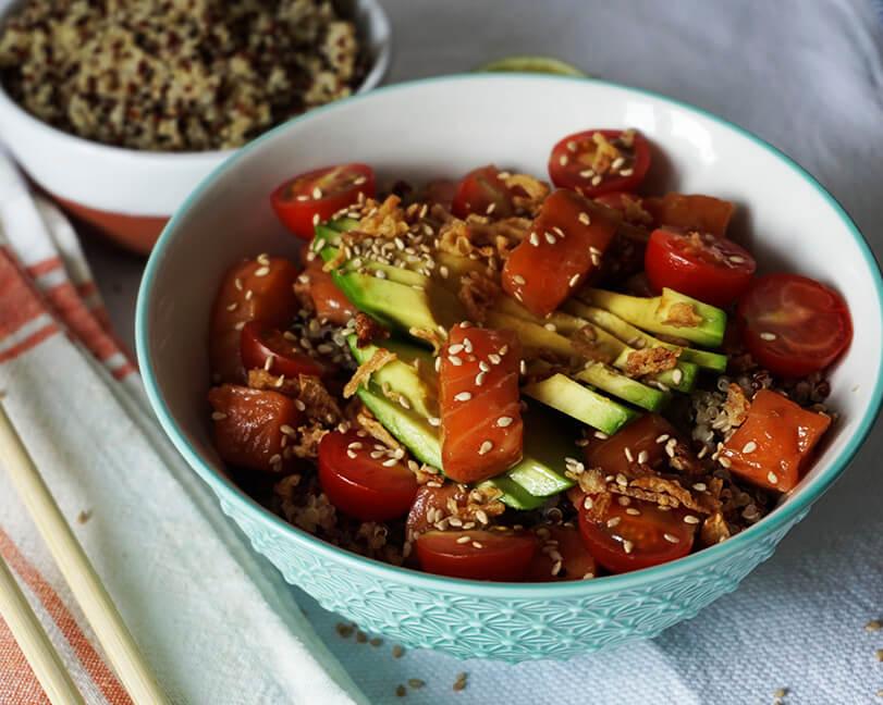 Poke de salmón y quinoa RECETA HAWAIANA