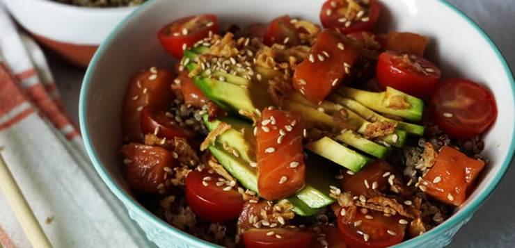 Poke de salmón y quinoa