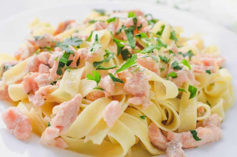 Pasta con salmon receta facil