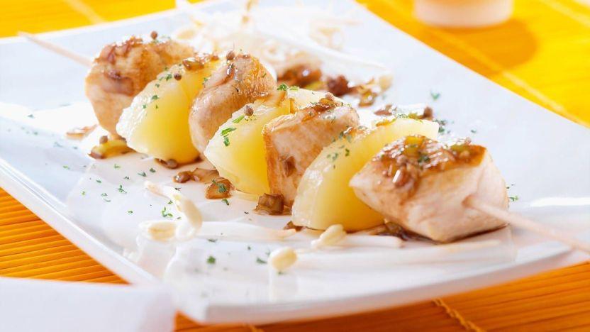 Trozos de Piña y Nuggets de Pollo al Jengibre