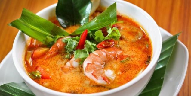 receta de sopa de camarones tailandesa