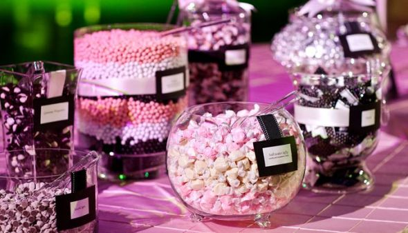Wedding-candy-bar-favors