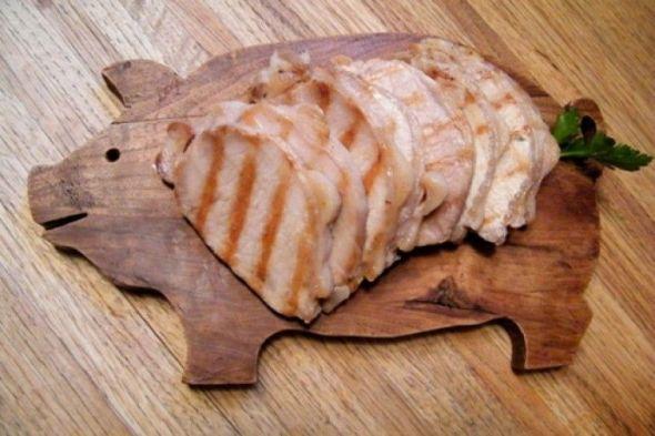 Gusano-de-triquinosis-o-triquinelosis-en-la-carne-de-cerdo-Razas-Porcinas-765x510