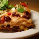 Budin de tortilla con elote y rajas
