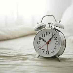 9911ecbea07a30e7c89fdadbe8a058e8 - ▷ Suena el despertador 📖