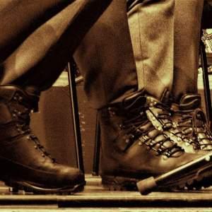 MOLESTO CALZADO - ▷ Molesto calzado 📖