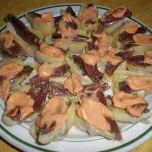 c0463a74730bd2dbab86cbb4dec094a0 - ▷ Corazones de alcachofas con salsa rosa y anchoas 👩🍳 😋
