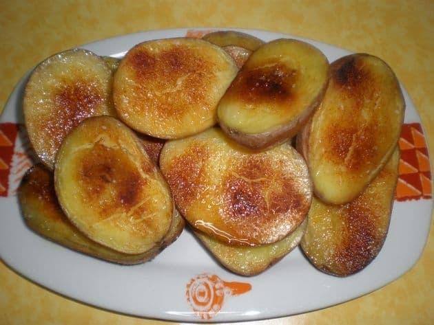 Medias papas con pimentón al horno