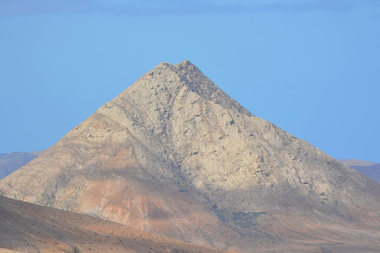 La Montaña de las Brujas - ▷ La Montaña de las Brujas 📖