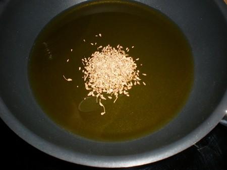Echar anís al aceite de oliva virgen extra