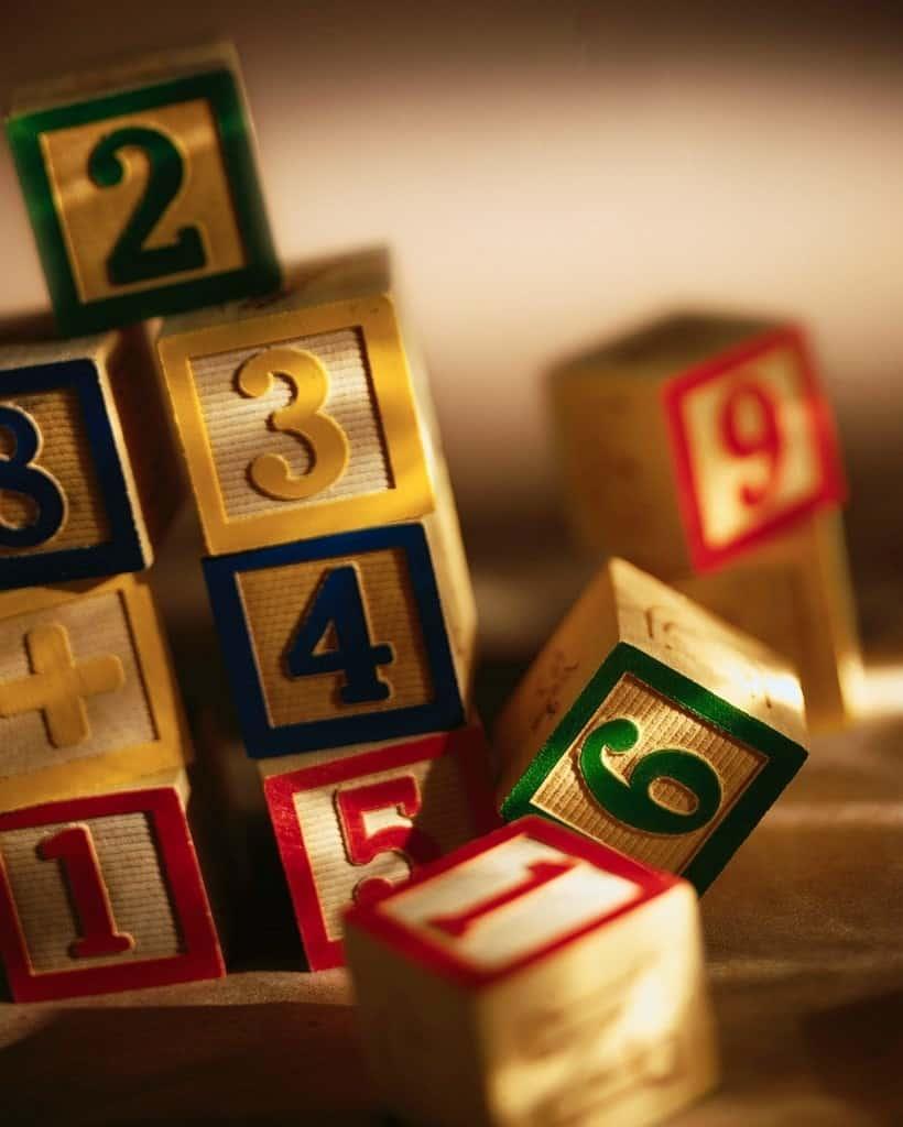 d7f952e4236afc03a202fc64913dc353 - ▷ Cuatro números 📖