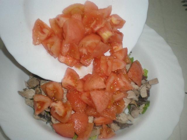 Elaborar ensalada tibia con pimientos rojos