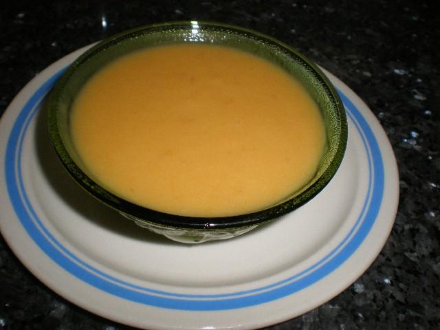 Crema de verduras con nata
