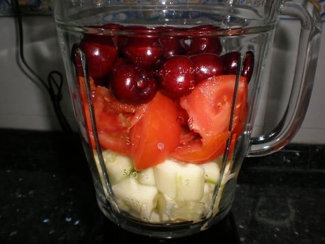 Elaborar el gazpacho de cerezas