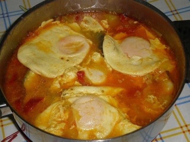 ▷ Cazuela de congrio con huevos 🐟