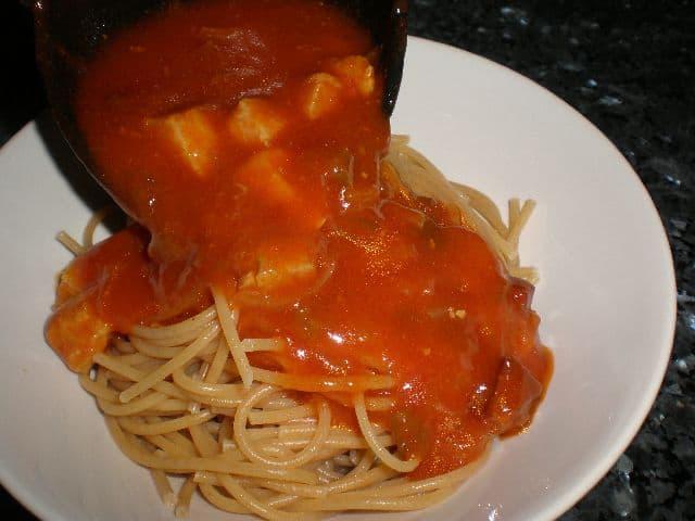 Espaguetis con salsa de panceta