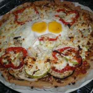 7a8fe2fc2393e35fb76dc32a82ef4bcd - ▷ Pizza de verdura y huevo 🍕