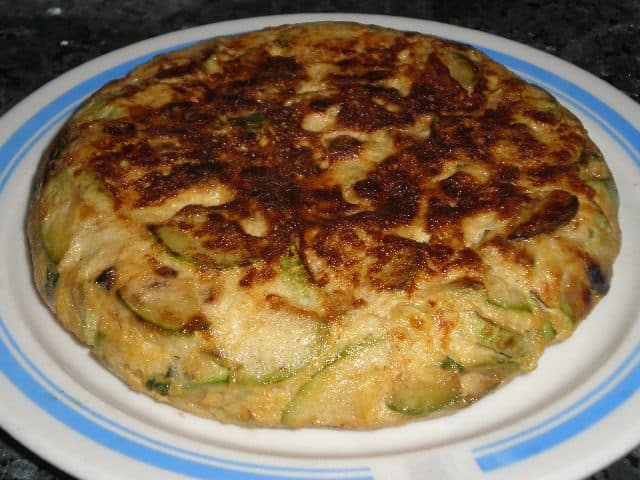 PORTADA 5 - ▷ Tortilla de calabacín y albahaca 🥚 🥒 🍃