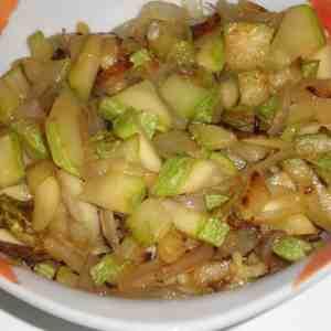 PORTADA - ▷ Calabacín frito con cebolla 🥒 🧅