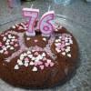 fondant au chocolat : le gâteau démoulé et décoré