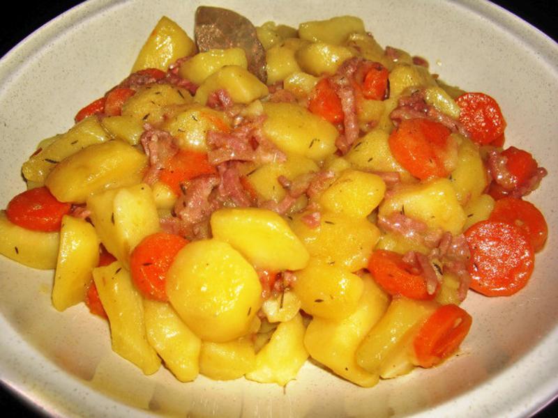 pommes de terre lardons au vin blanc