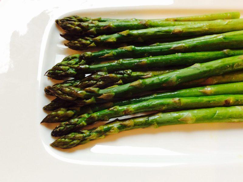 #accompagnement #asperges #asperge #recette #recetteaccompagnement #vegan #vegetarian #végétarien #aspergesaufour #recette #recetteaccompagnement #accompagnement #vegetarien