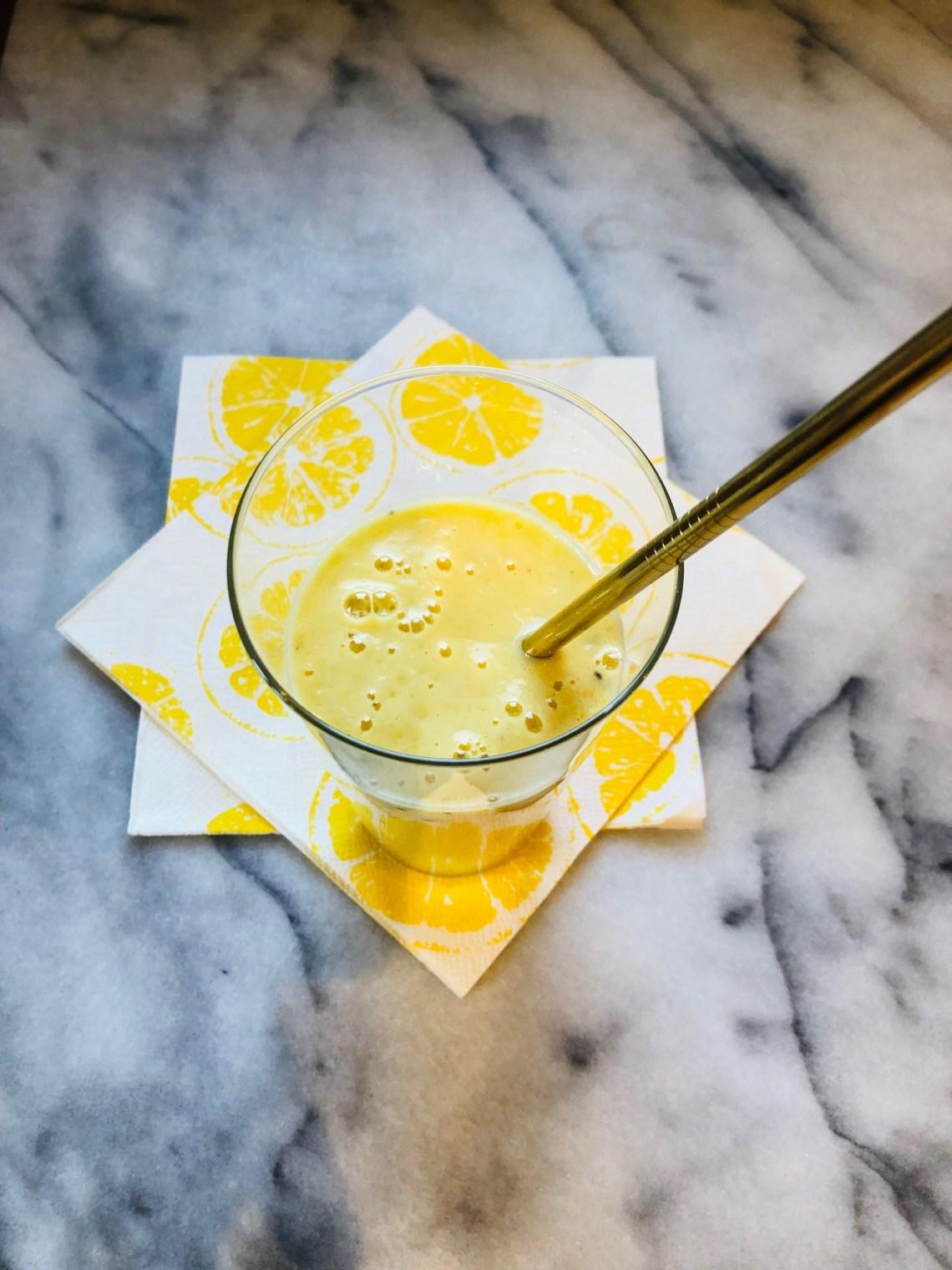 #smoothie #recettesfamille #mangue #banane #smoothiemangue #smoothietropique #recettebrunch #recettesansnoix #recettesansarachide
