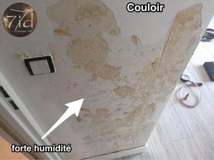 Taches d'humidité présente sur le mur