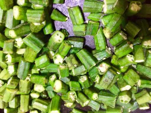 Sticky tread visible in bhindi