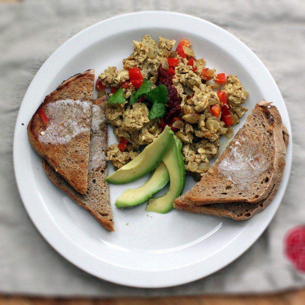 curry-scrambled-egg-above-square