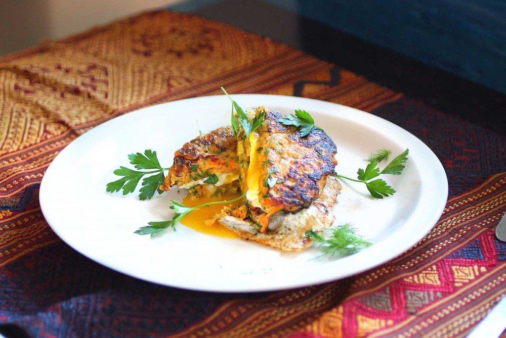 garlic herb sweet potato cake breakfast sandwich