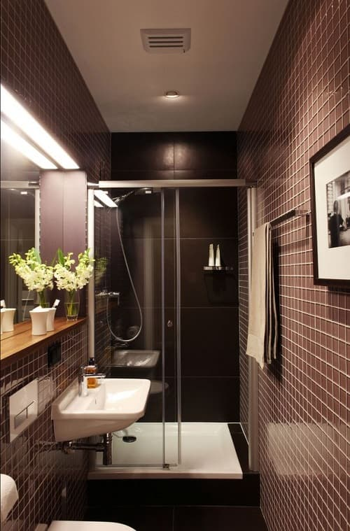 long narrow bathroom 11