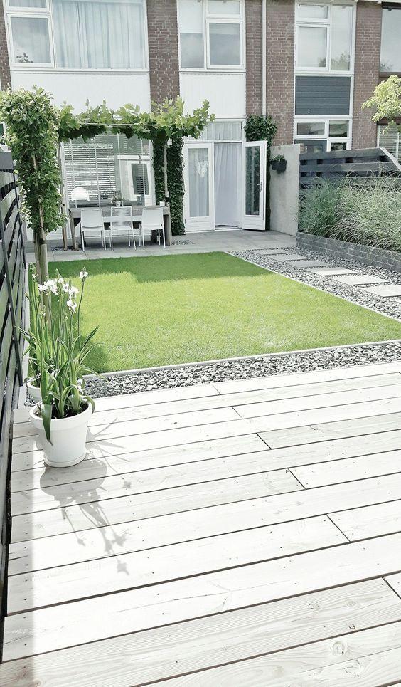 minimalist backyard garden 16