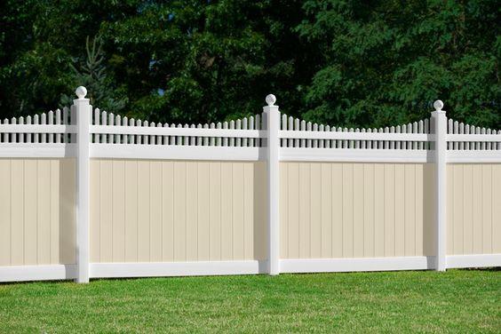 modern vinyl fence 19
