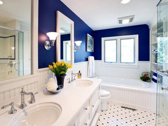 navy bathroom 13