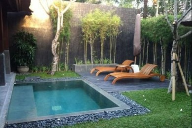 small inground pool feature